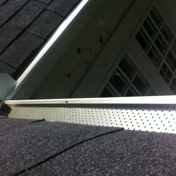 Seamless Eavestrough (Gutters)